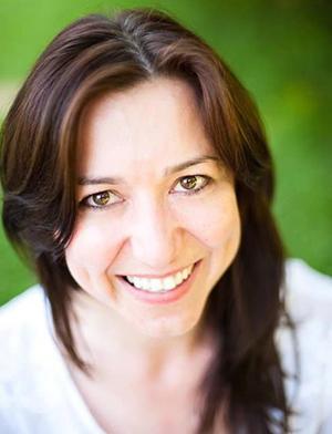 Head shot of Dzana Dervovic