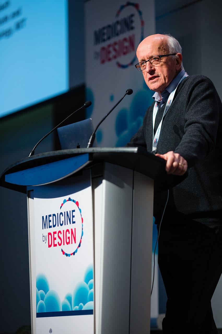 Gordon Keller, a principal investigator at University Health Network, introduces keynote speaker Rudolf Jaenisch.